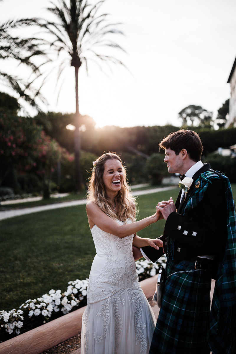 Photographe de mariage au Grand Hôtel du Cap Ferrat - Four Seasons Hotels and Resorts  : Karol R Photographie - Karol Robache - Dress : Temperley Bridal